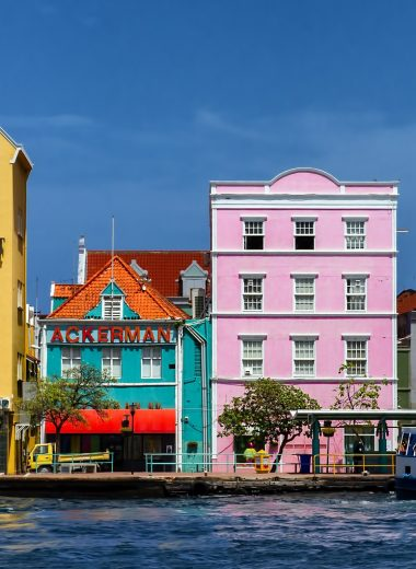 visiting curacao on a budget