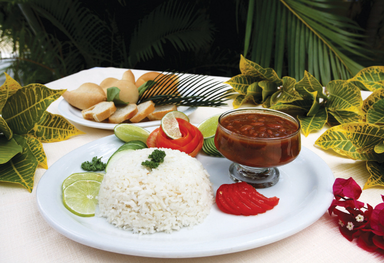 Popular Food in the Dominican Republic - La Bandera - Foodica