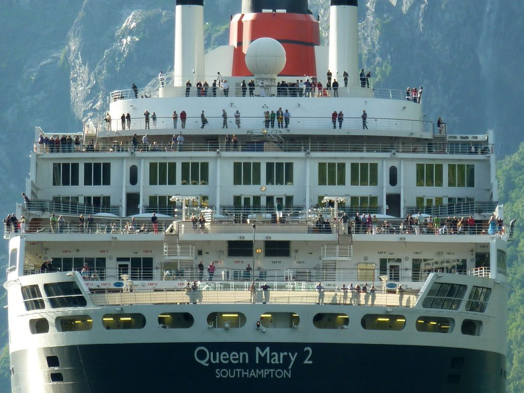 caribbean cruises - queen mary 2