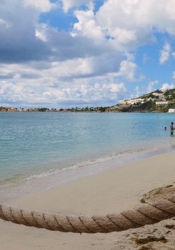 Organise Your Stay at a St. Martin_ St. Maarten Bed and Breakfast- Foodica